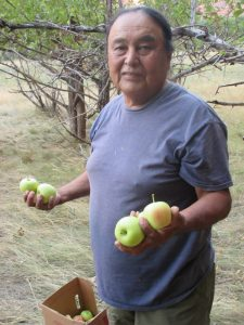daniel-with-apples-canyon-de-ch-2016